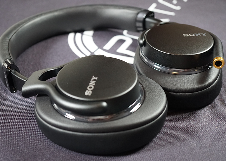 Sony MDR-1AM2 Closed-back Headphones