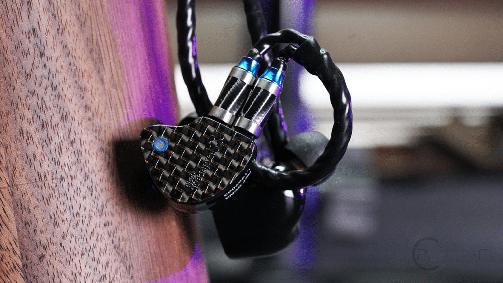 Tralucent Audio DUX Argentium with its exclusively designed Dual 0.78 mm 2-pin connector and Ref GEN 3